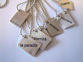 plaque-la-victime-du-pendentif-bracelet-pierre-joseph
