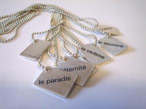 plaque-l-erreur-du-pendentif-bracelet-pierre-joseph