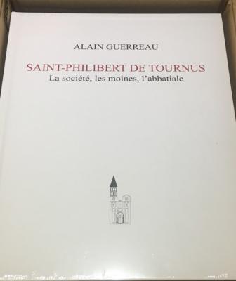 saint-philibert-de-tournus-la-sociEtE-les-moines-l-abbatiale